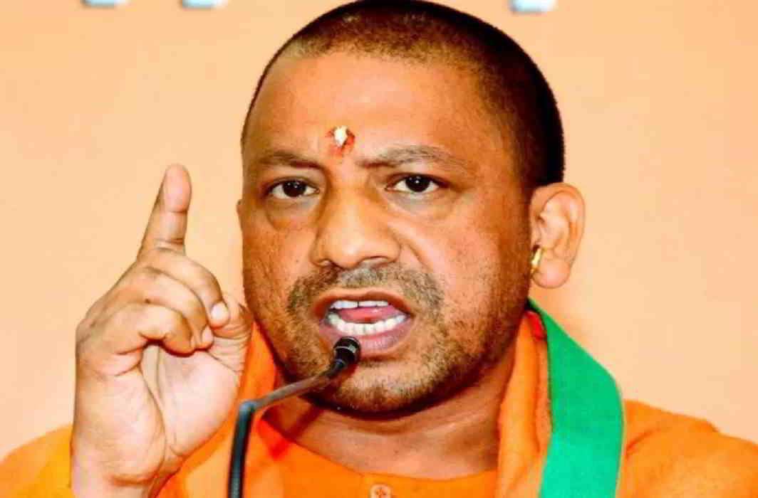 From today to April 20 Yogi Adityanath will meet with the officials of all departments.