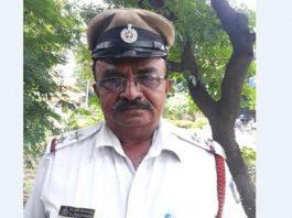Bengaluru traffic cop stops President's convoy for ambulance