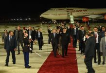 PM Modi arrived in France after Russia, tweeted information