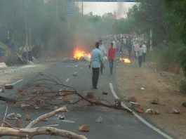 Firing on farmers performing in Madhya Pradesh, 2 killed