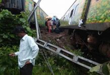 6 bogies from Nagpur-Mumbai Duronto Express derailed