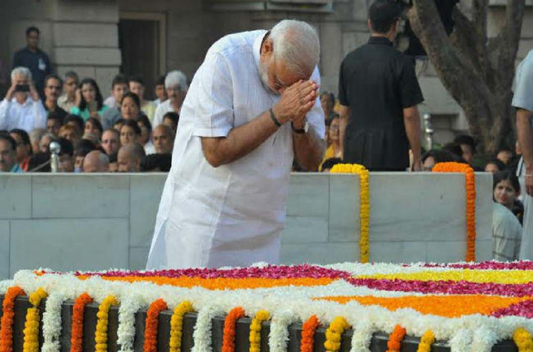 PM Modi paid tribute to Bapu by visiting Rajghat and Vijayghat