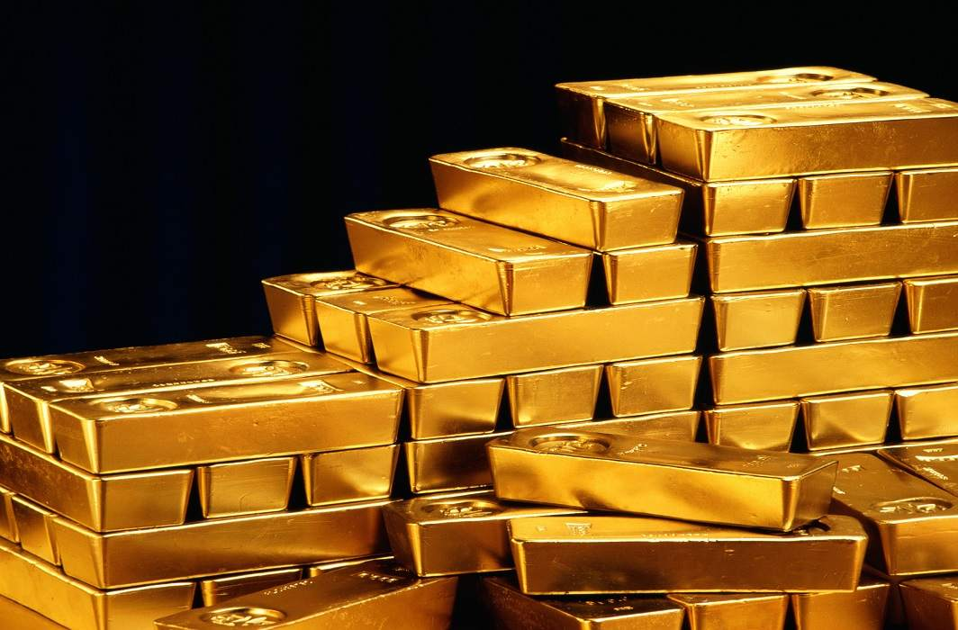 smuggler arrested with 13 lakhs of gold, gold Was hidden in Maldwar