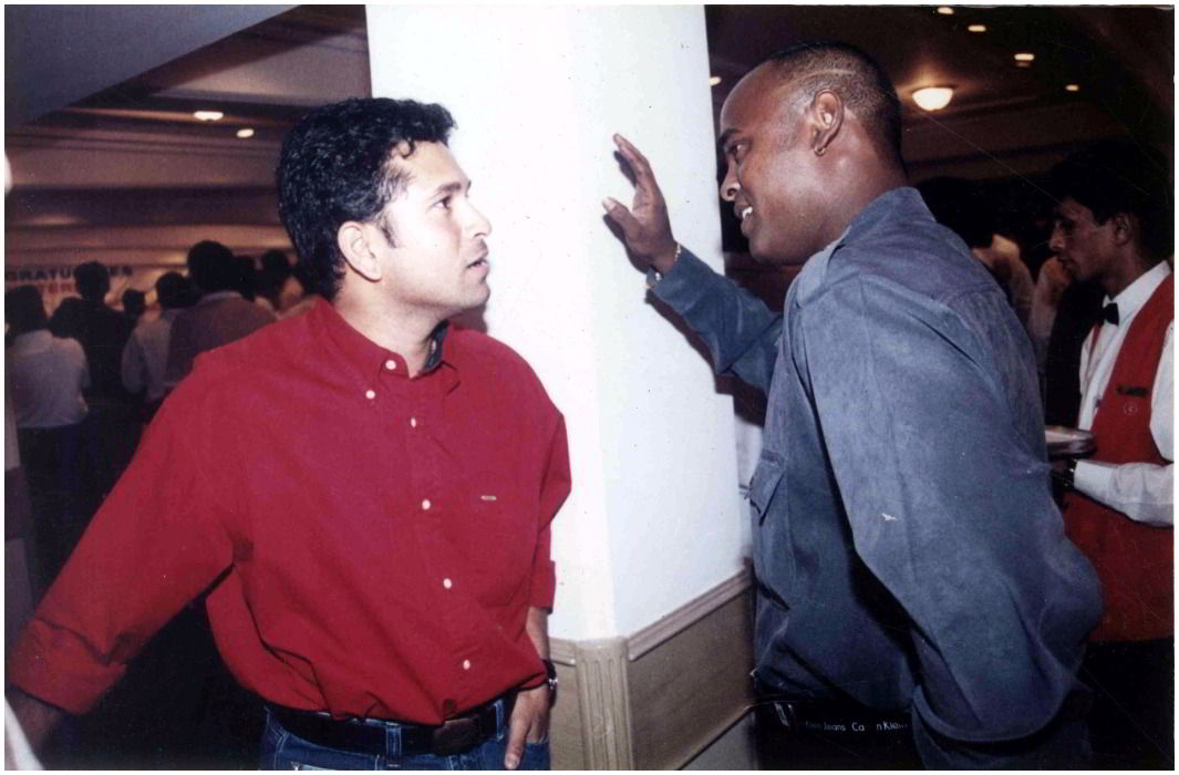 a misunderstanding between Sachin tendulkar and Kambli has finished. Embraced each other