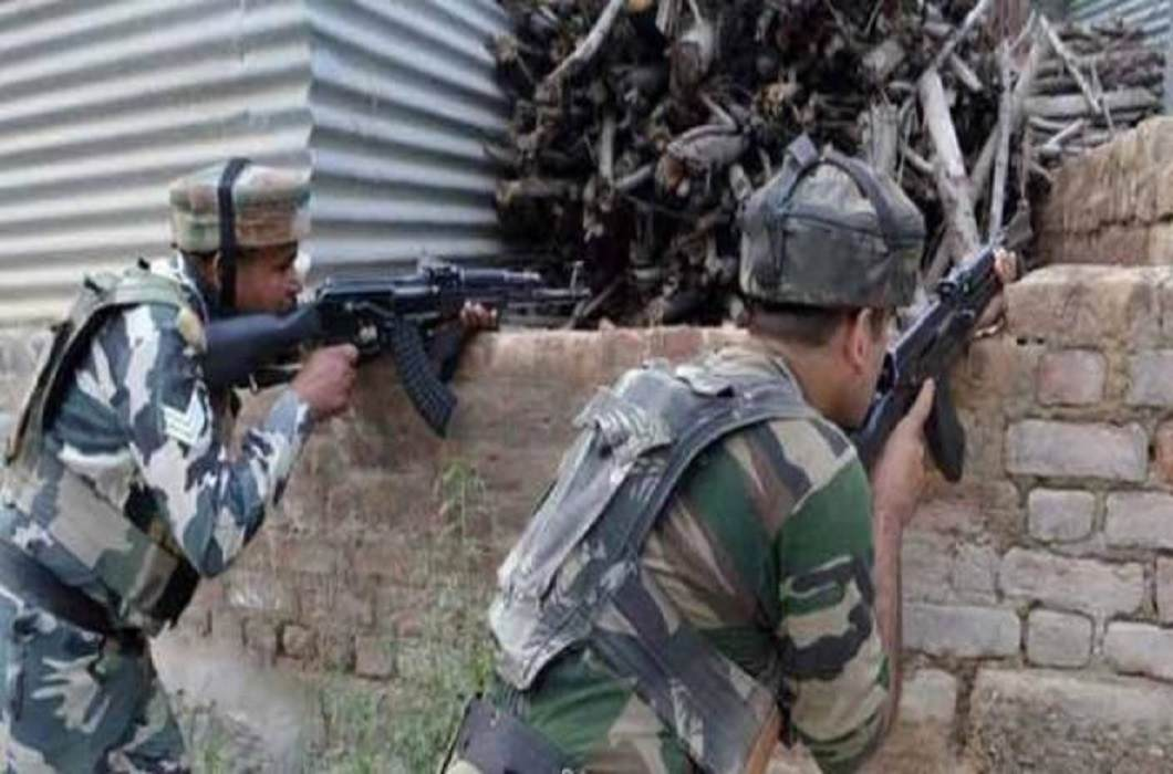 Terror attack On CRPF vehicle In Anantnag and 5 army man injured