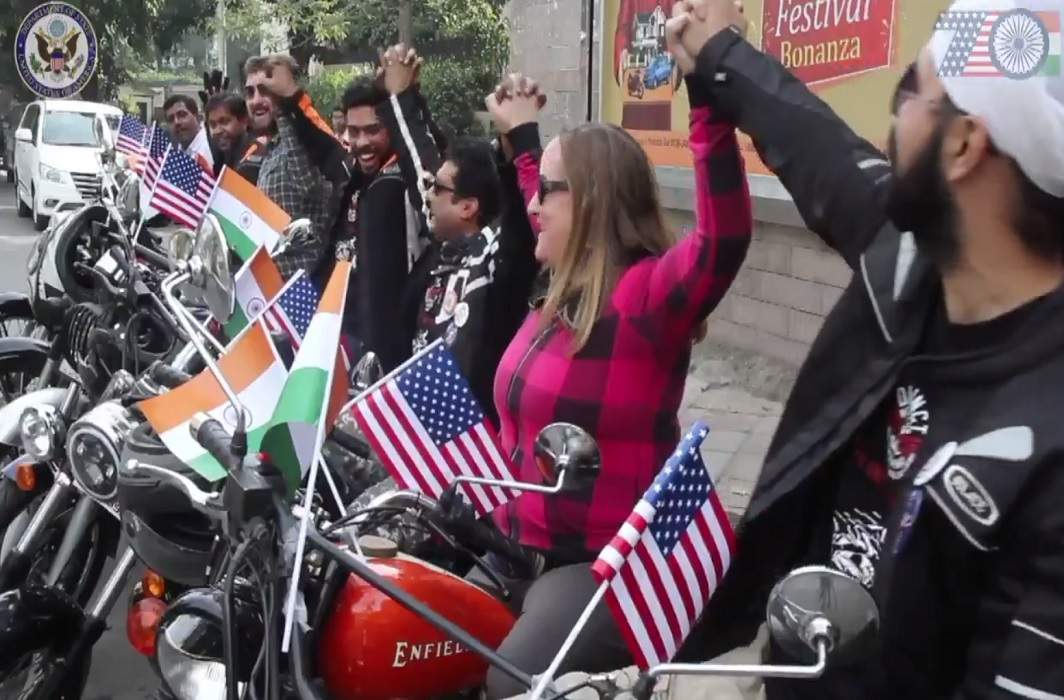 america said happy new year to india in sholey style and watch video