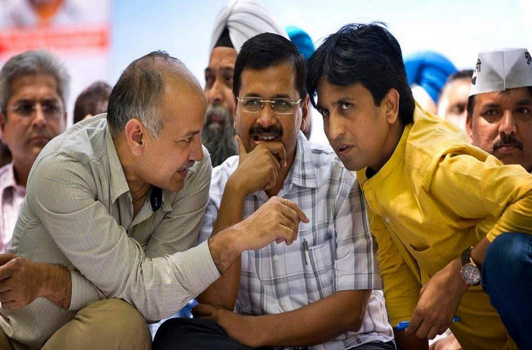 Deadlock In aap on Rajya Sabha seat and Party does not favor Vishwaas to make a member