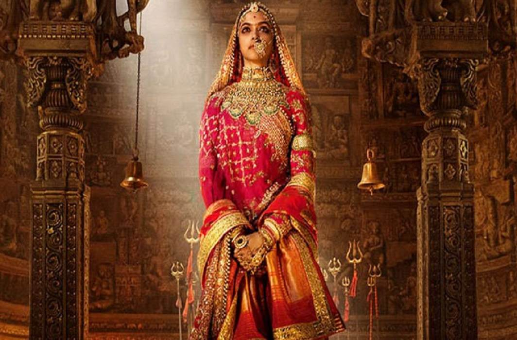 Controversy on padmavat movie and Government properties destroying in this controversy