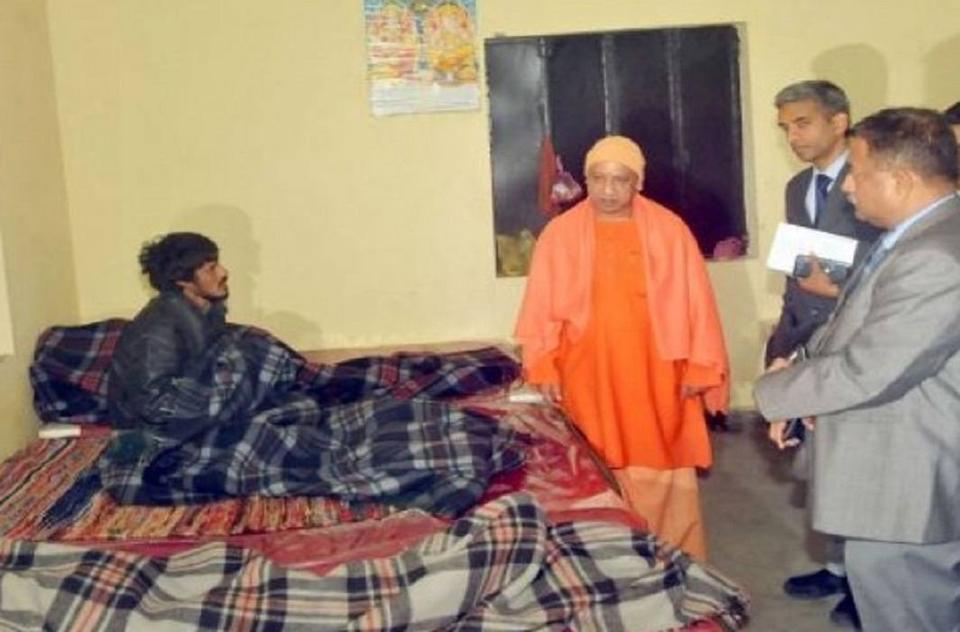 CM Yogi conducted surprise visits of the night shelters, asked the poor for their problems