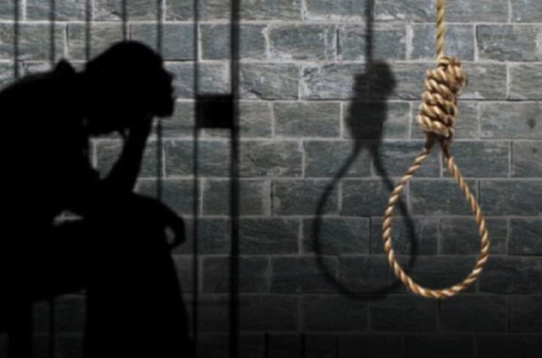 371 prisoners convicted of death by the end of 2017 in the country, President disposed of 9 mercy petitions