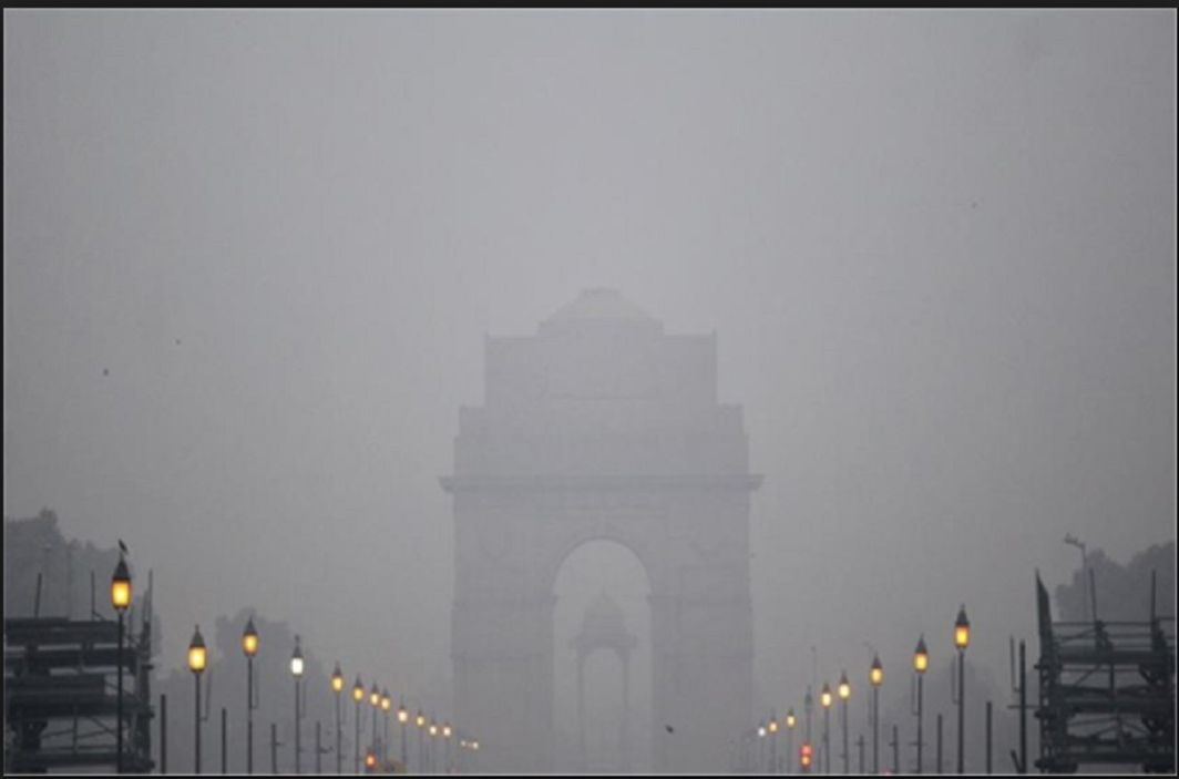 Heavy Fogs show again in Delhi NCR, 13 trains cancelled