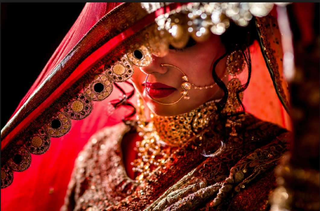 amazing! new trends in West Bengal, bride should not be on social media