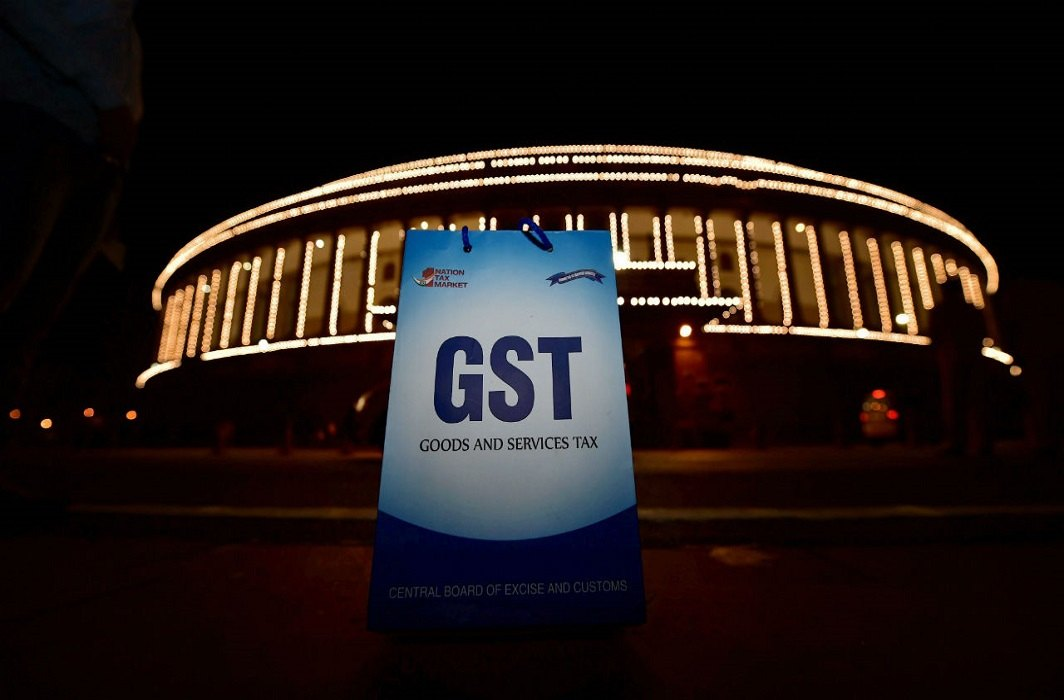 GST Council's 26th Meeting today, will discuss the issue of bringing liquor into GST