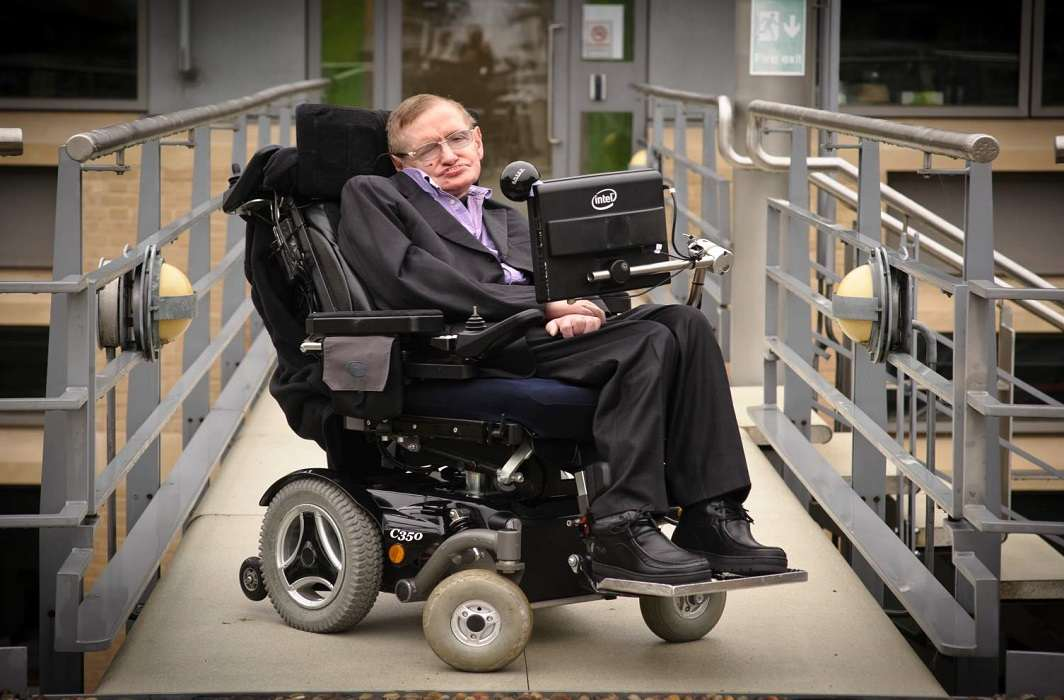 The great scientist Stephen Hawking died and Woe wave across the world