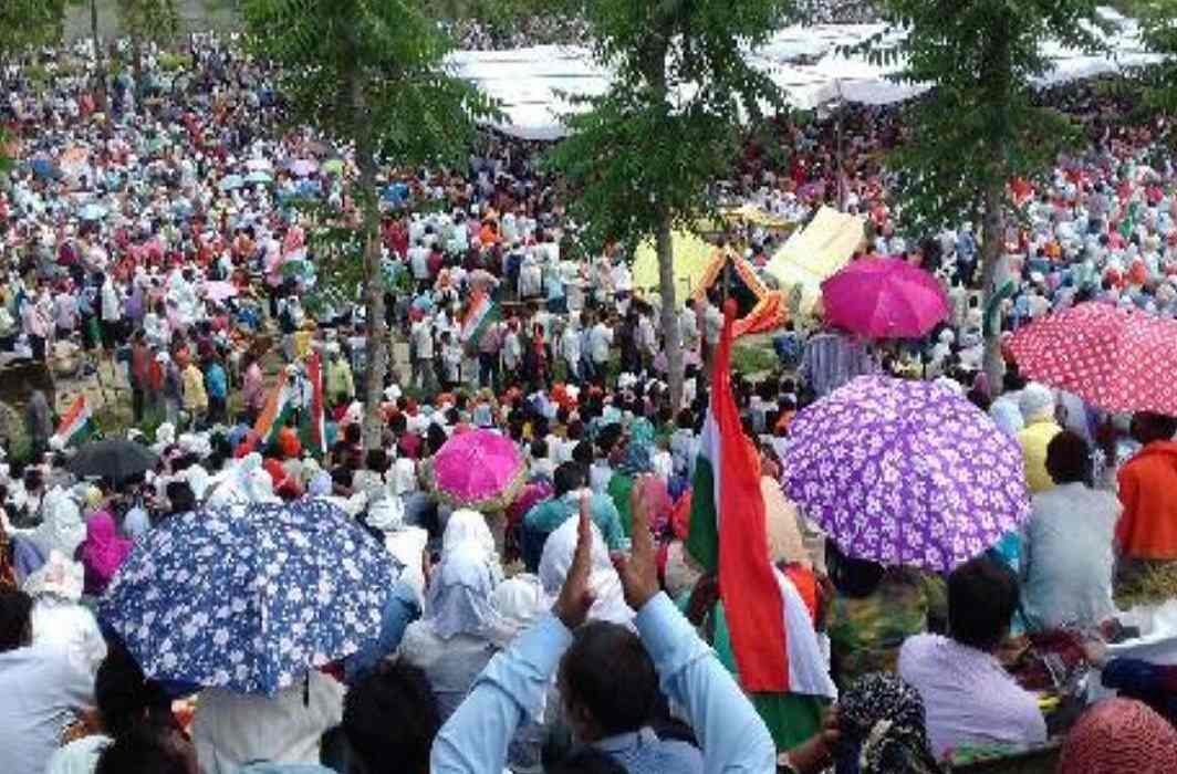 protests Continued of shikshamitra in uttar pradesh