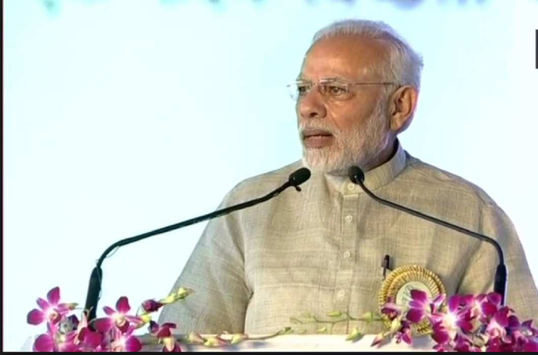 PM Modi speaks From Champaran - They are breaking, we are adding