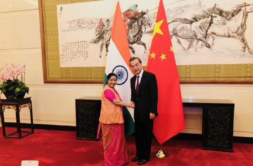 Sushma met Chinese Foreign Minister Wang Yi, Said - It is important to learn each other's language