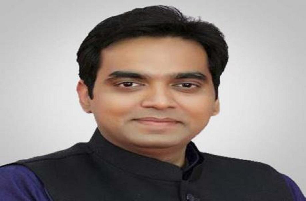 Home Minister Rajnath Singh's son threatens phone call, demands 10 lakhs