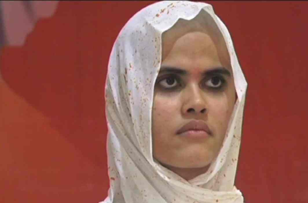 Gold medalist doctor in mbbs has turning in Sadhvi, ignoring billions Property