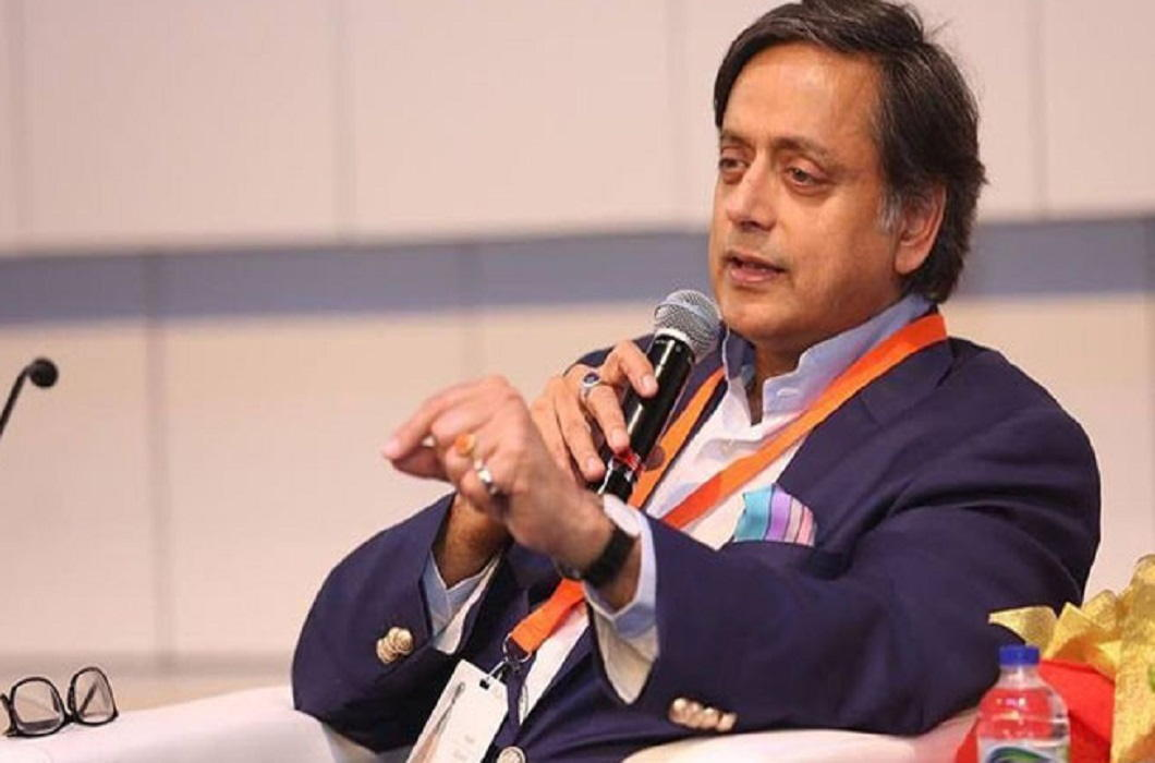 Tharoor trolled On the statement of 'Hindu Pakistan' and Kolkata High Court sent summon