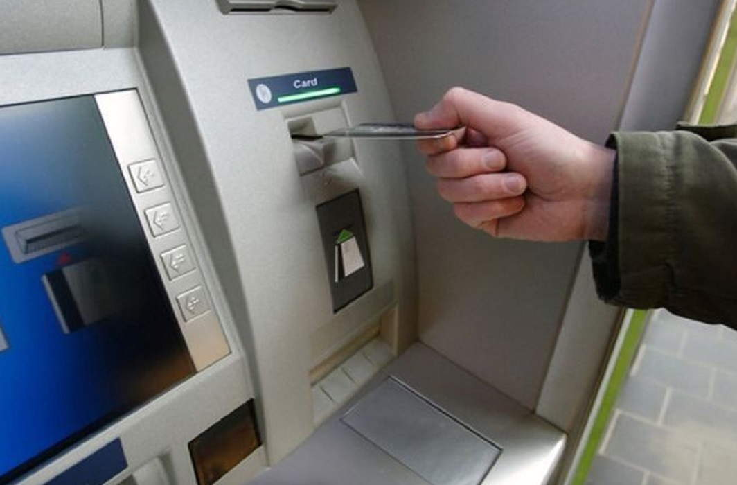 Transactions will be expensive from ATMs now, banks get talk of RBI