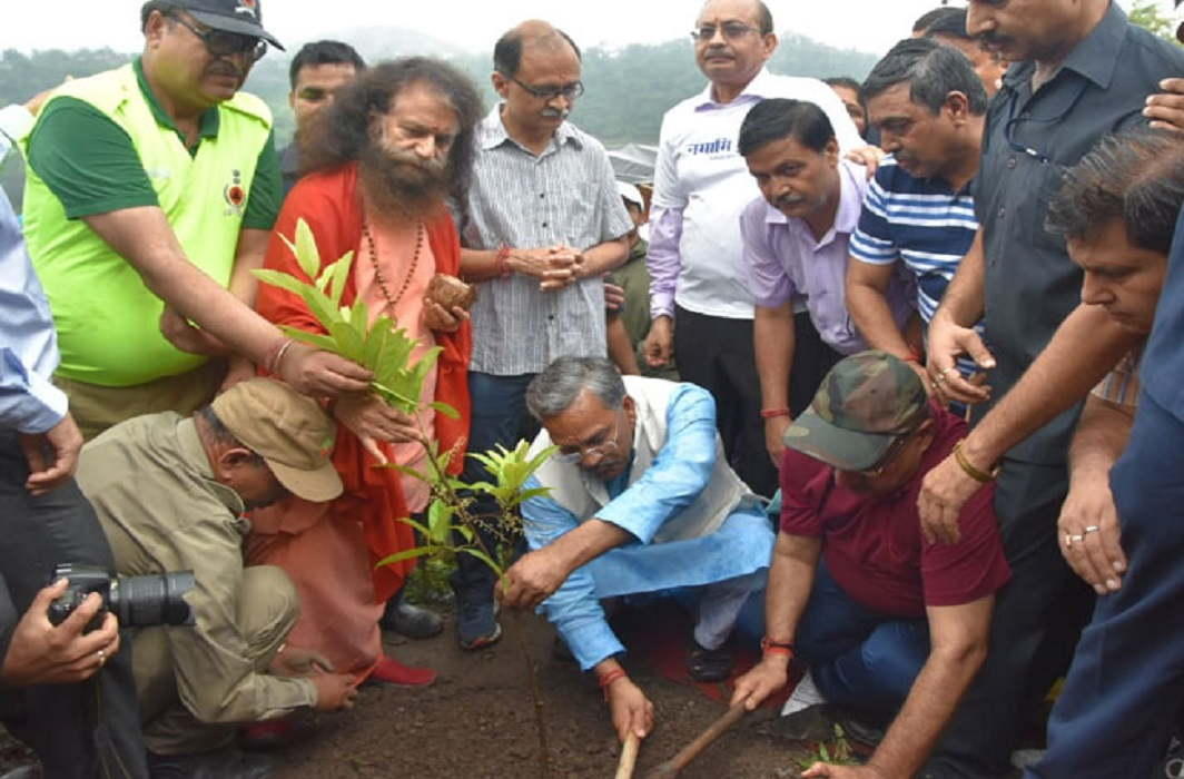 2.50 lakh saplings planted to save the river Raspana