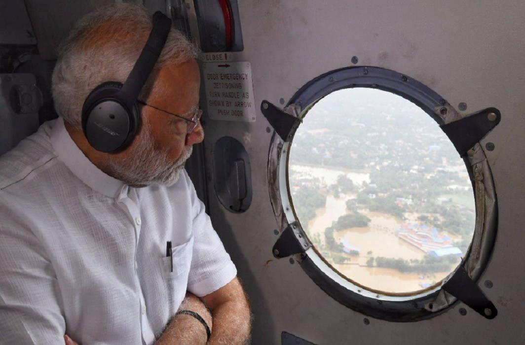 Floods in Kerala caused huge devastation, PM did air travel, 500 crores financial help announced