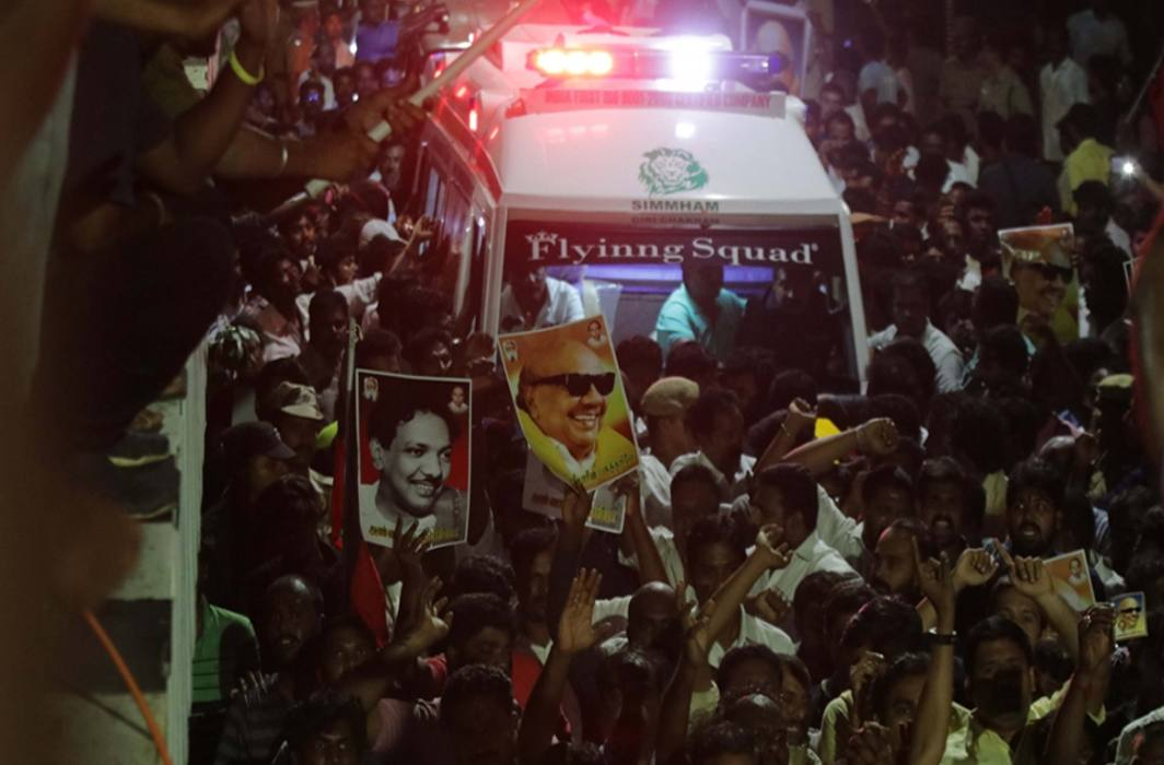 Karunaanidhi's funeral will be done on Marina Beach