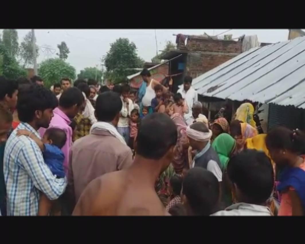 daughter Hanged himself in Unnao of Bangarmau