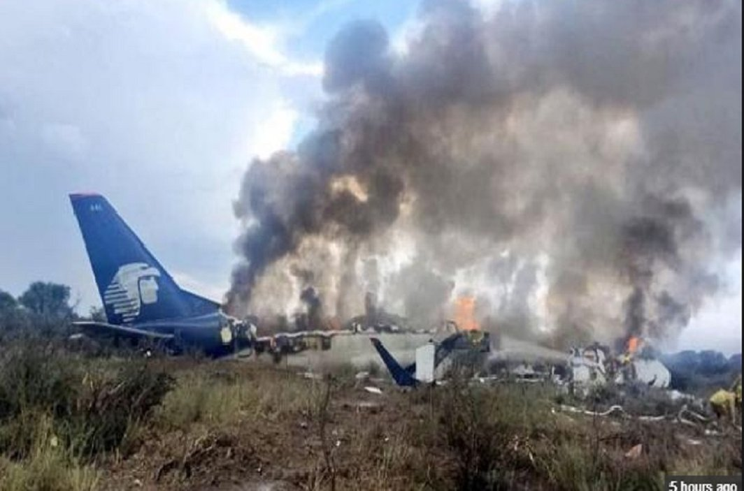 plane crash in Mexico, 85 people injured