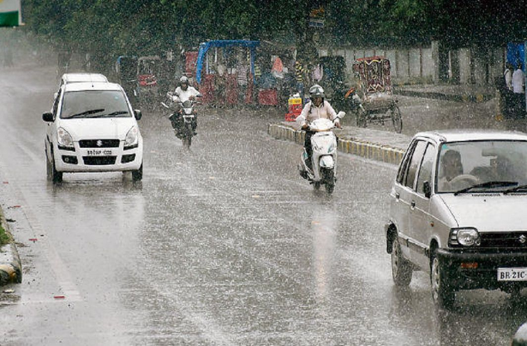 Heavy rains in Delhi-NCR, Weather Department alert in UP.