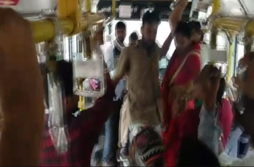 Driver threw the woman down from the bus in Rajasthan
