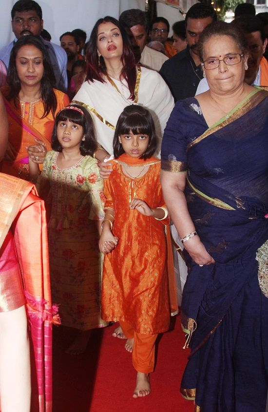 Aishwarya Rai Bachchan with daughter Aaradhya Bachchan