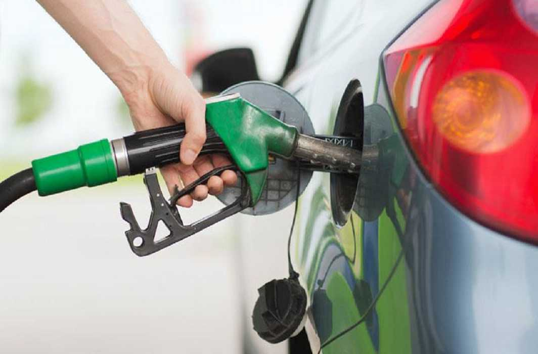 Petrol increased10 paisa in Delhi now 82.32 per liter