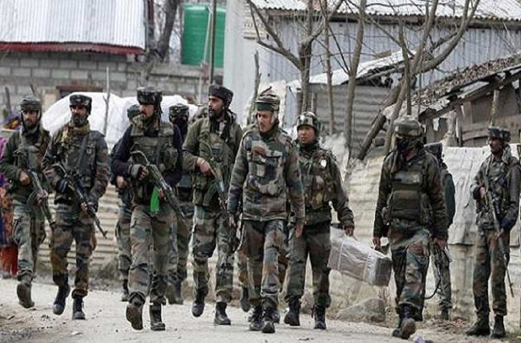 Siege in 8 villages After the killing of policemen in Jammu and Kashmir and Search operation of Military continue