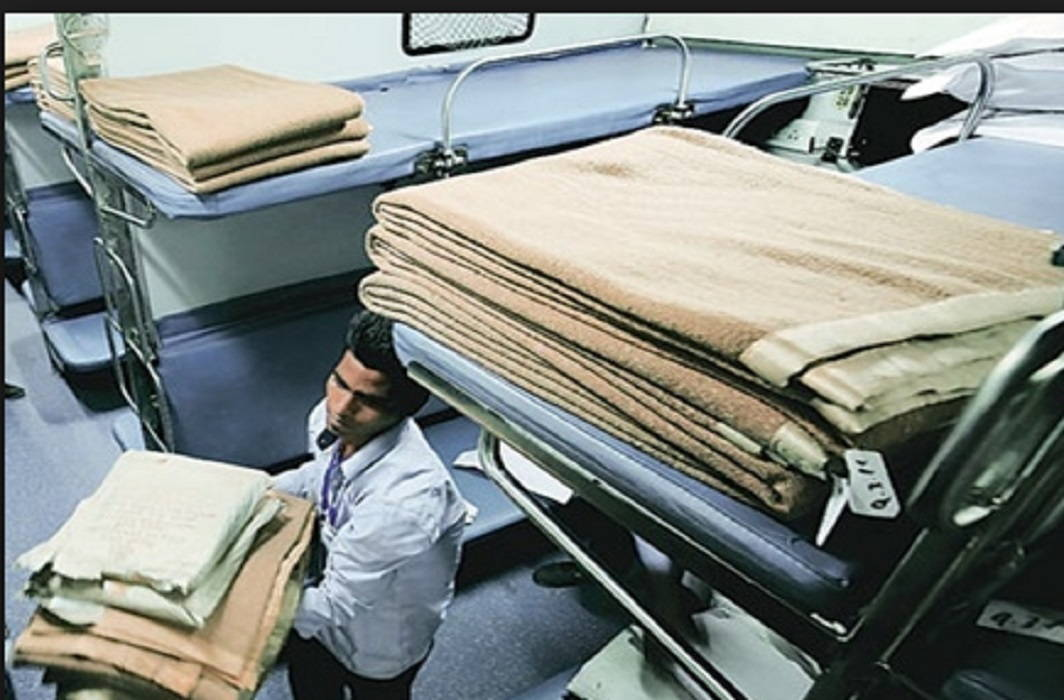 Two lakh towels stolen from trains in one year and The mug-null also stolen
