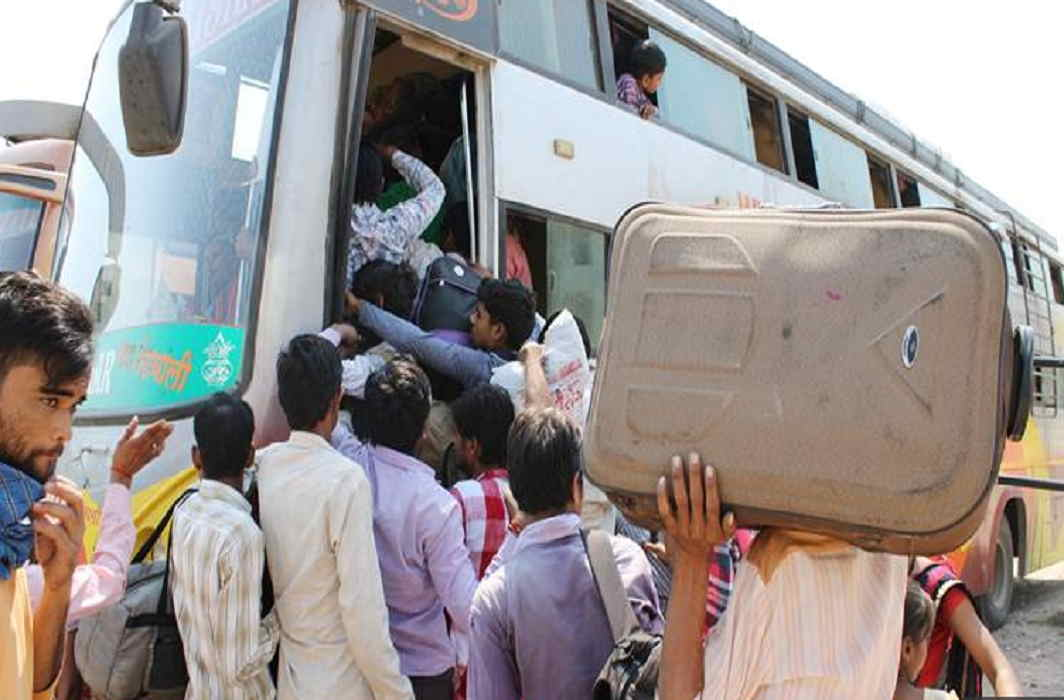 Bihar and UP people forced to leave Gujarat after the incident of rape with the girl