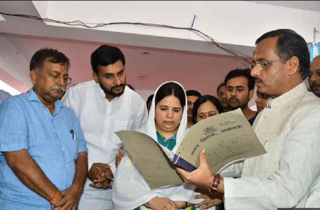 Vivek Tiwari's wife Kalpana Tiwari got OSD post of government jobs.