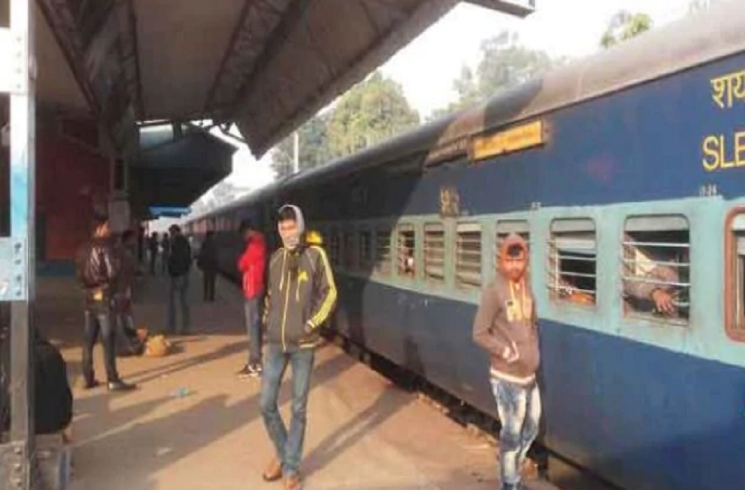 Train service disrupted in Bihar due to rail track broken