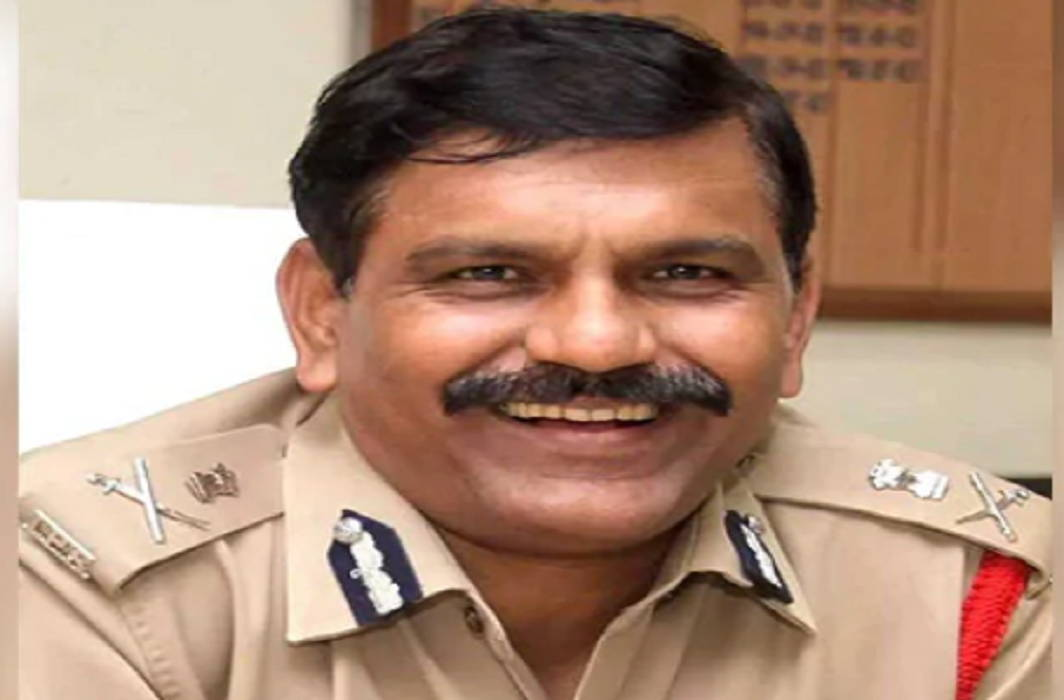 Nageshwar Rao become the interim chief of CBI and Alok Verma and Rakesh Asthana sent on leave