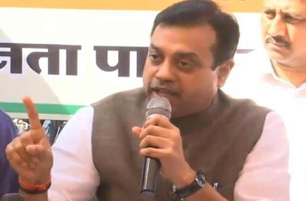 Attack of sambit patra on Rahul-Sonia in The National Herald Case