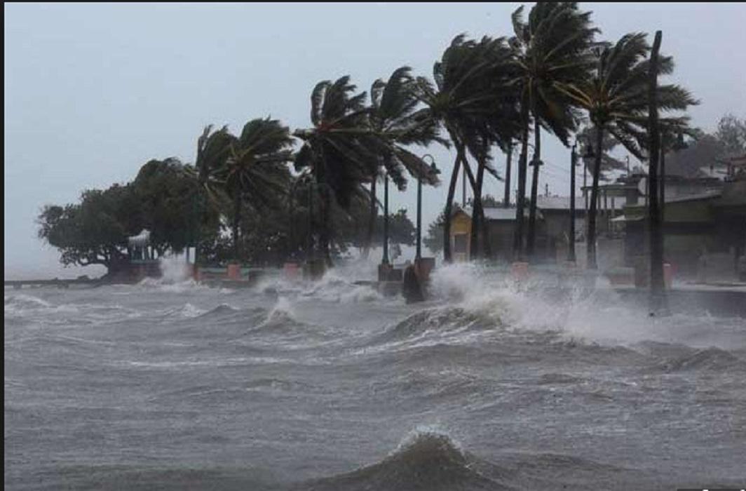 Cyclonic storm 'Gaza' hit by Tamil Nadu