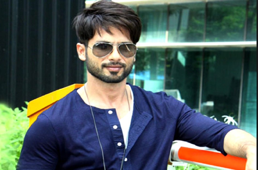 Shahid Kapoor tweeted on the news of cancer himself