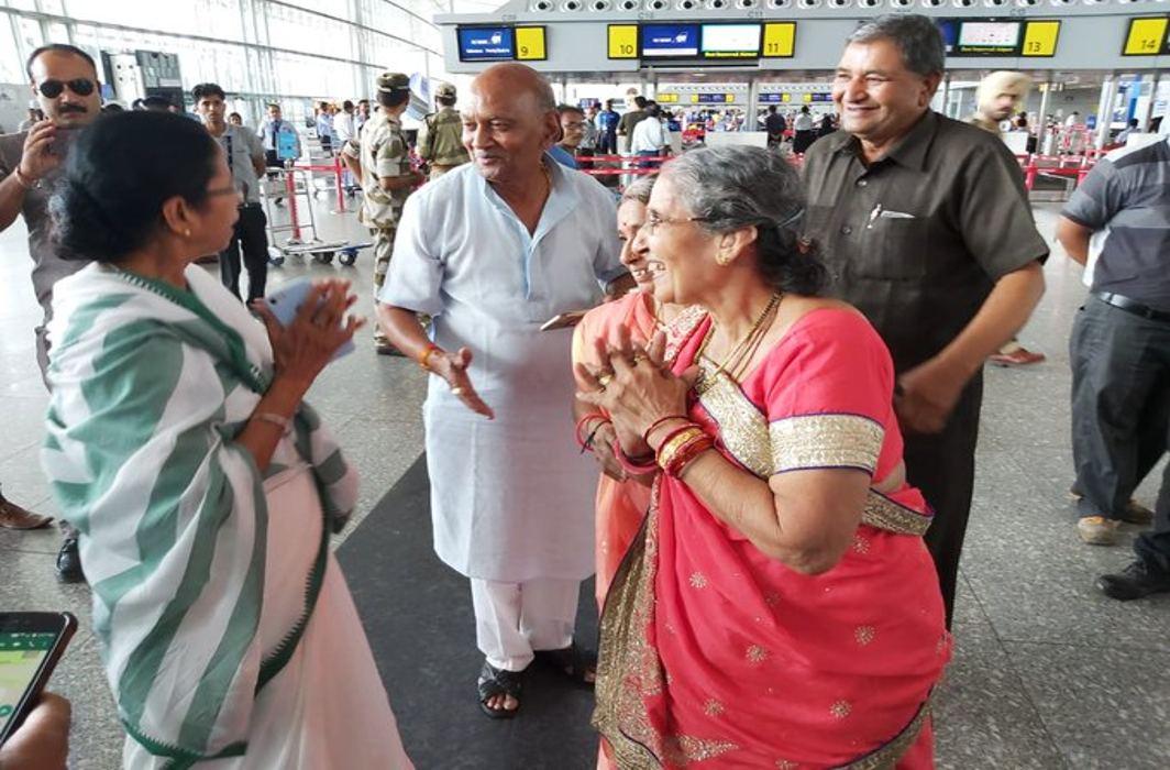 mamta Banerjee meets Jashodaben