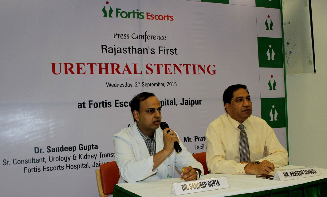 A doctor briefing the mediapersons on a rare case of Rajasthan's First Urethral Stenting in Jaipur. Photo: UNI