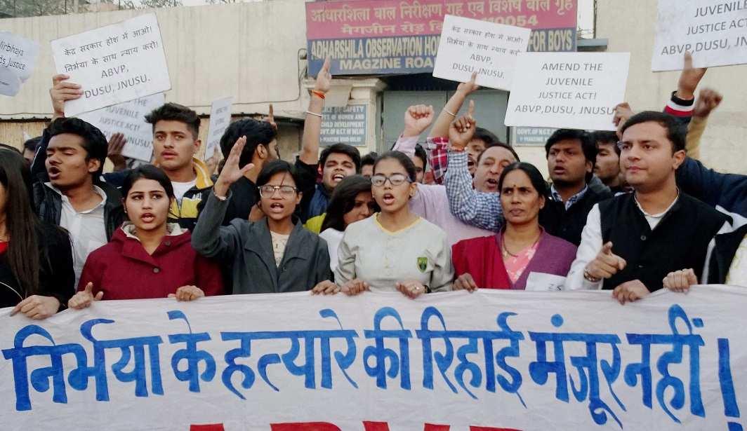 Nirbhaya case: Arguments tread thin line of defence