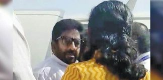 Shiv Sena MP Ravindra Gaikwad beat up an AISATS staffer