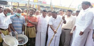Tamil Nadu's Higher Education Minister KP Anbazhagan inaugurates a cleanliness drive organised by the RSS in Dharmapuri. Photo: dailythanthi.com