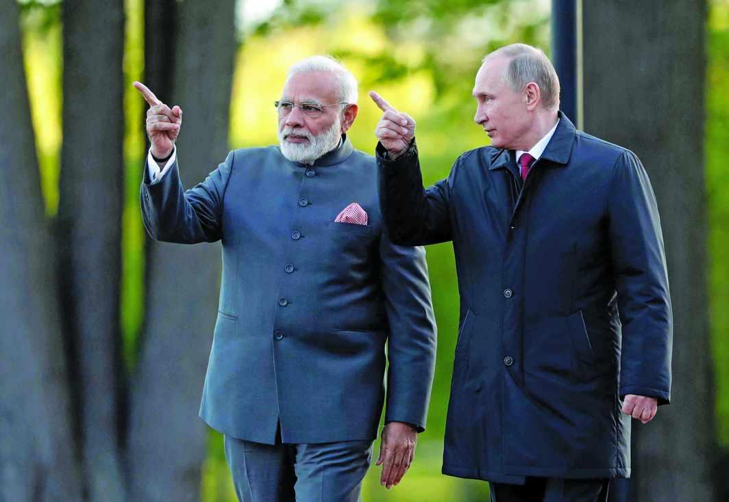 Prime Minister Modi with Russian President Vladimir Putin. Photo: UNI