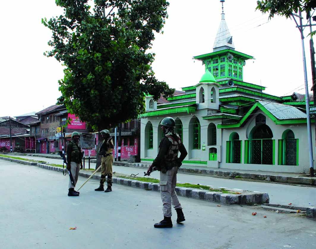 A big challenge to Rao's J&K policy came in 1995 when militants took over the Charar-e-Sharif shrine in Srinagar. Photo: UNI